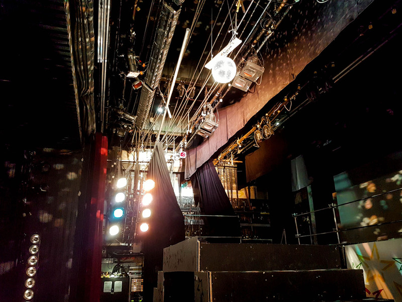 Disco Ball with 16 fixtures