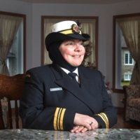 Lt. Commander Wafa Dabbagh: the first Canadian Armed Forces officer to wear the hijab