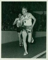 Tely-Maple Leaf Games - Men's 3 Mile Event: Bruce Kidd in lead